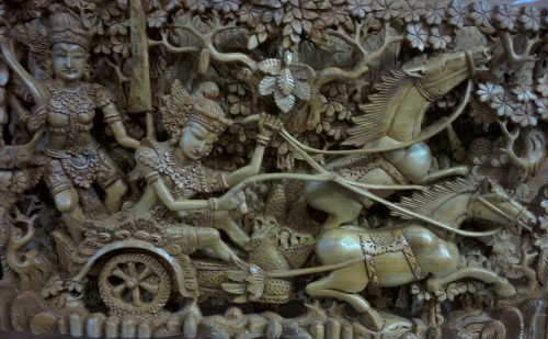 Wood carving, so intricate, so detailed and delicate!